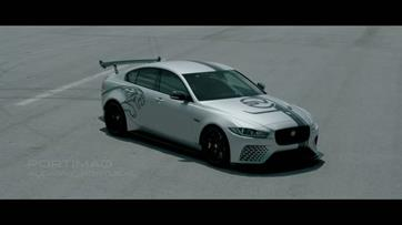 Jaguar XE SV Project 8 'a fundo' no circuito do Algarve