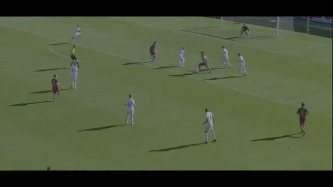 O médio Carles Aleña, da equipa sub-19 do Barcelona, marcou um golo de antologia na receção à Roma, referente à quinta jornada da UEFA Youth League. Traços de Messi à vista?