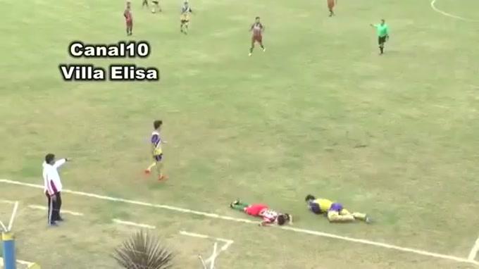 Tragédia na Argentina, num encontro dos campeonatos regionais. Micael Favre, 24 anos, jogador do San Jorge de Villa Elisa, morreu em campo após incidente com um adversário, que representa o Defensores de Colón.