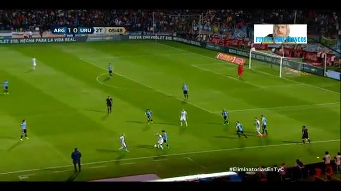 Lance de génio de Messi